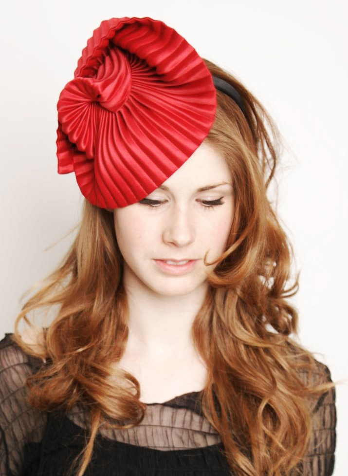 Ophelie-hats-pleated-red