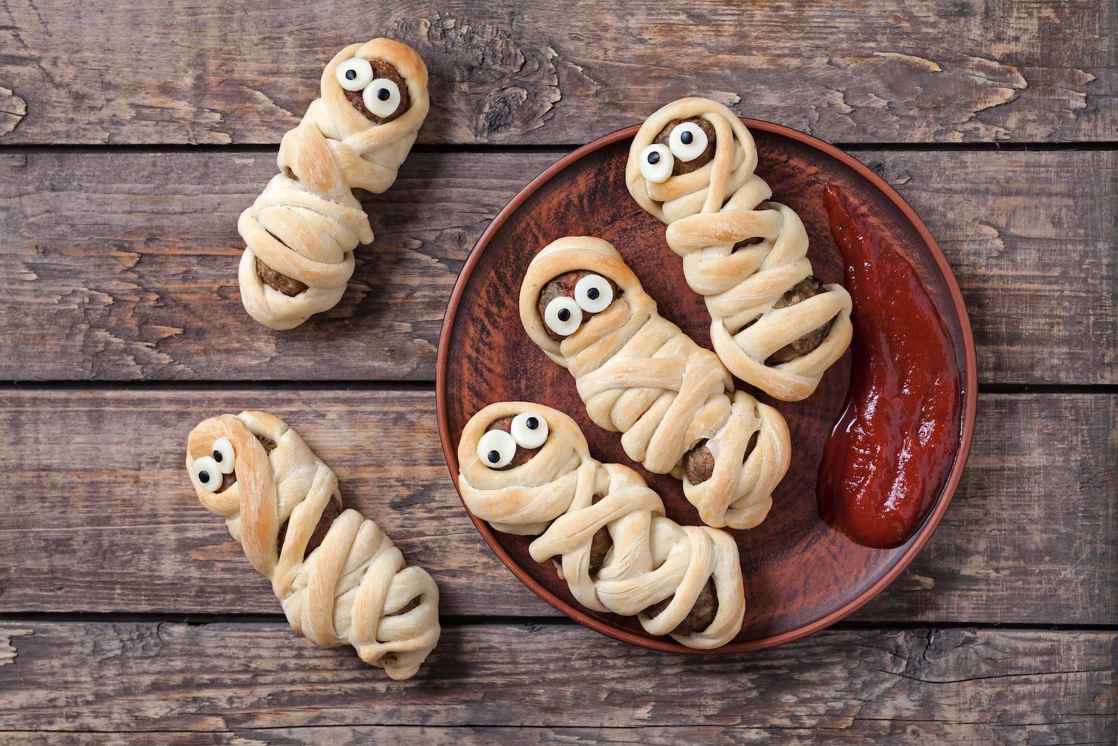 mummy hot dog